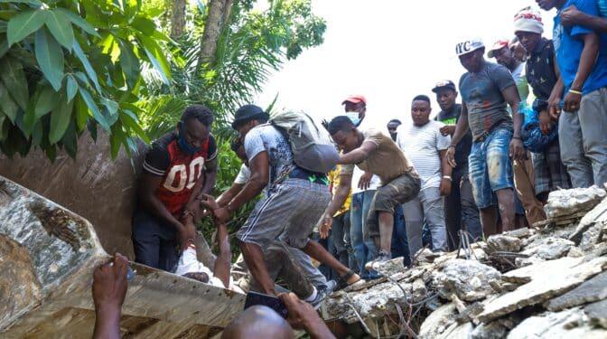 El terremoto en Haití deja 1.297 muertos y más de 5.700 heridos