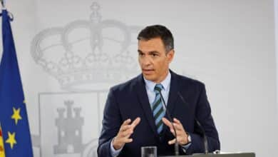 Sánchez anuncia que reducirá los beneficios extraordinarios de las eléctricas para contener el precio de la luz