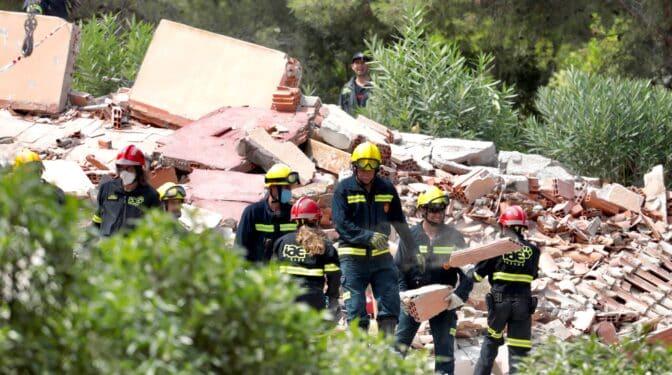Localizan muerta a la mujer desparecida entre los escombros de Peñíscola
