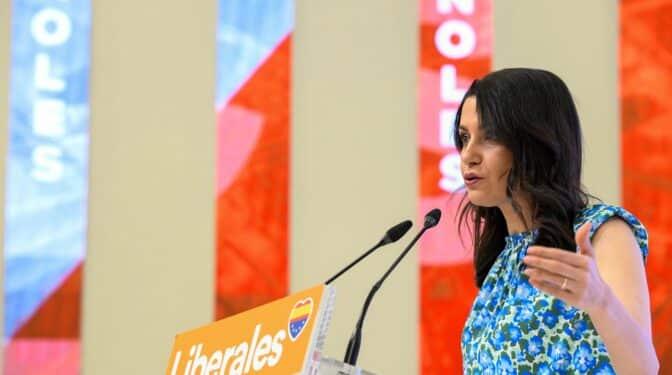 """Arrimadas cree que Sánchez estaba al tanto de la """"infamia"""" del rescate a Plus Ultra"""