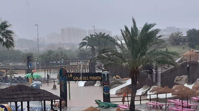 Inundado el parque Aquarama de Benicàssim.