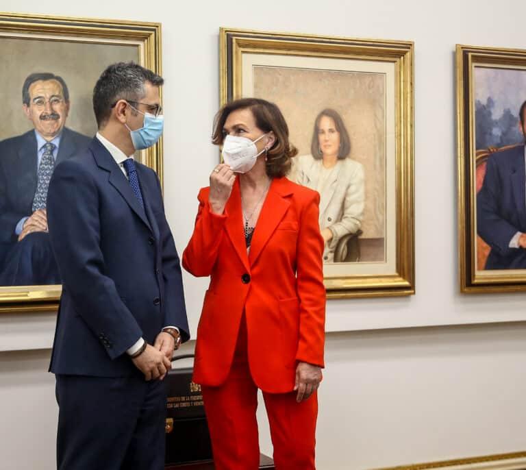 El ministro Bolaños se desmarca de Calvo y rehúsa residir en la vivienda oficial
