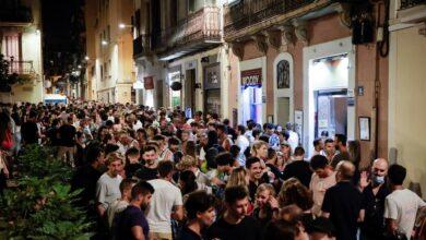 Los botellones y el cierre del ocio nocturno abren una nueva batalla política en Cataluña