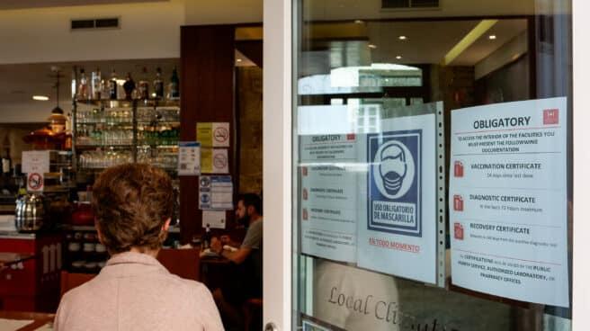 Entrada a un local de hostelería en Santiago de Compostela, A Coruña (Galicia)