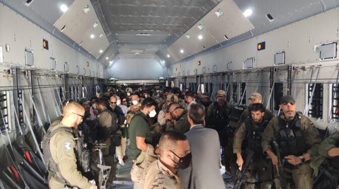 """Sánchez promete """"nuevas vías"""" para la evacuación tras completar la salida de Afganistán"""