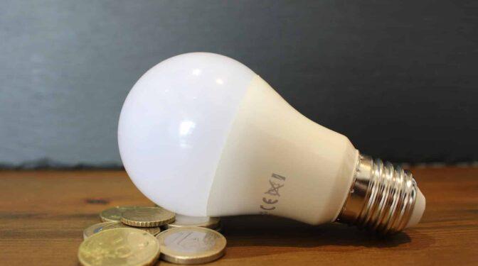 El precio de la luz será el más caro de la historia este lunes