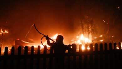 Un incendio en Atenas obliga a evacuar varias zonas de la ciudad