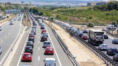 ¿Dónde y cuánto cuesta lavar el coche en Madrid tras las vacaciones?