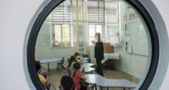 Las CCAA contratarán de nuevo para este curso con profesores de refuerzo, pero menos que el año pasado