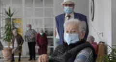 Trabajadores de residencias sin vacunar tendrán que realizarse tests 2 veces por semana