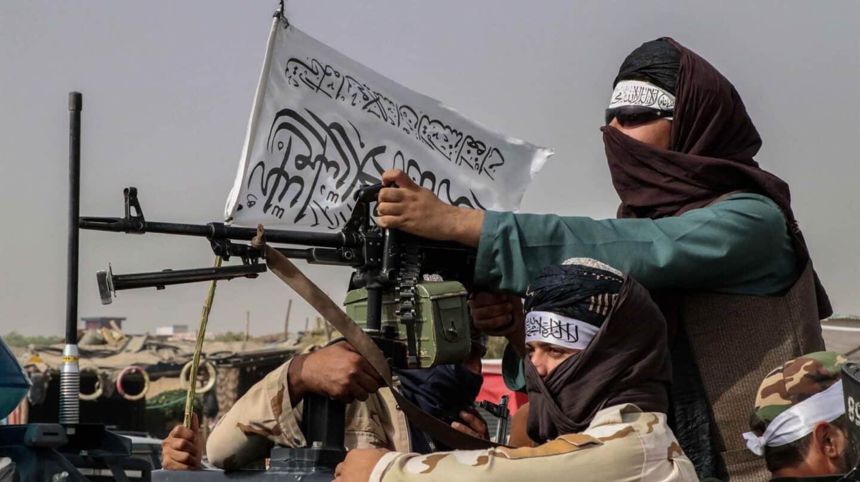 """Los talibanes dicen que las mujeres podrán """"ir al colegio y trabajar en escuelas y hospitales"""""""