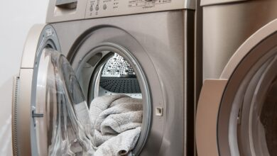 Luz casi gratis: poner una lavadora o el aire acondicionado costará menos de 2 céntimos durante la siesta
