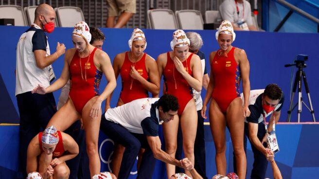 El equipo español femenino de waterpolo en la semifinal de los Juegos Olímpicos.