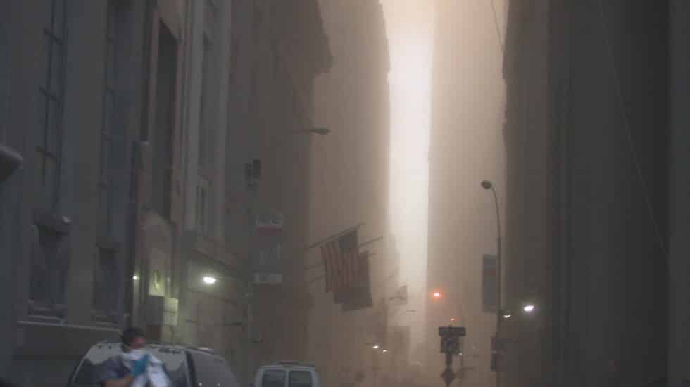La zona cero de Nueva York, instantes después del derrumbe de las torres, en una fotografía de un empleado del Servicio Secreto de Estados Unidos