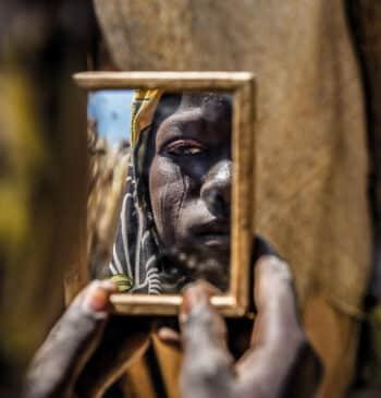 'La memoria del olvido', medio siglo de Médicos sin Fronteras en imágenes