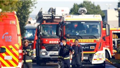Arde una docena de chabolas en un incendio en una parcela de la colonia Marconi de Villaverde en Madrid