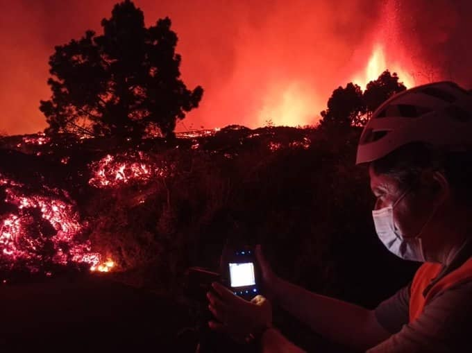 Colas de lava en el volcán de La Palma.