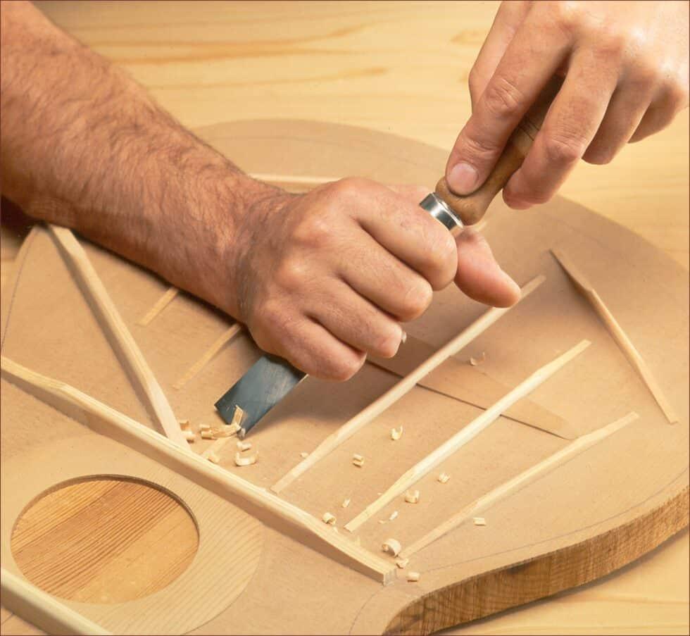 Trabajo en la madera de las guitarras