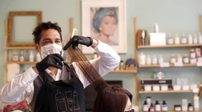 Las peluquerías alertan del cierre de 17.000 establecimientos si no recuperan el IVA reducido