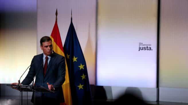 El presidente del Gobierno, Pedro Sánchez, durante un acto con buena parte de su gabinete