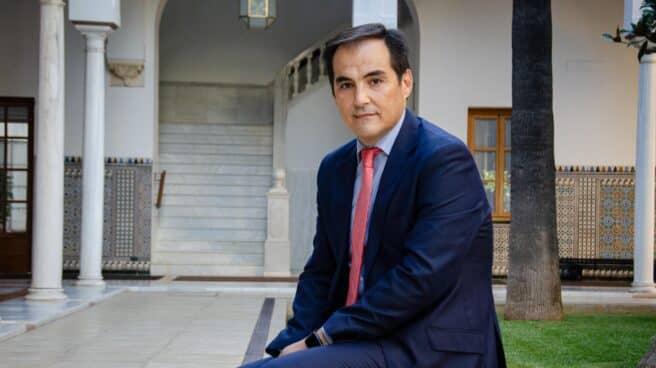 El ex secretario de Estado de Seguridad José Antonio Nieto, este miércoles en un patio del Parlamento andaluz.