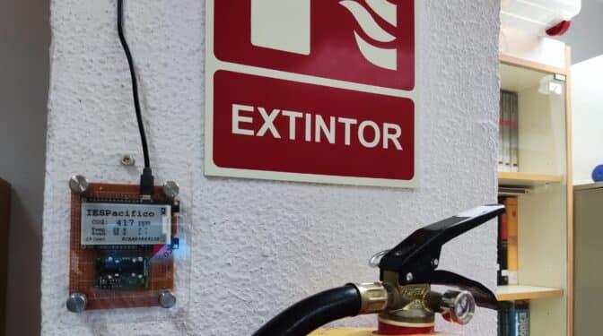 Un instituto de Madrid hace sus medidores de CO2 y comparte los datos en vivo