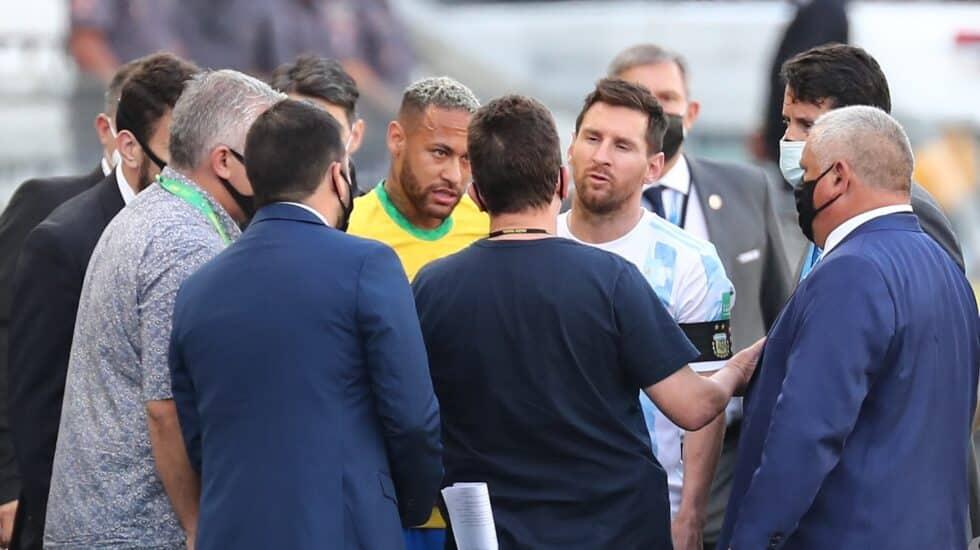 Neymar y Messi hablan con funcionarios de salud brasileños tras la suspensión del Brasil-Argentina