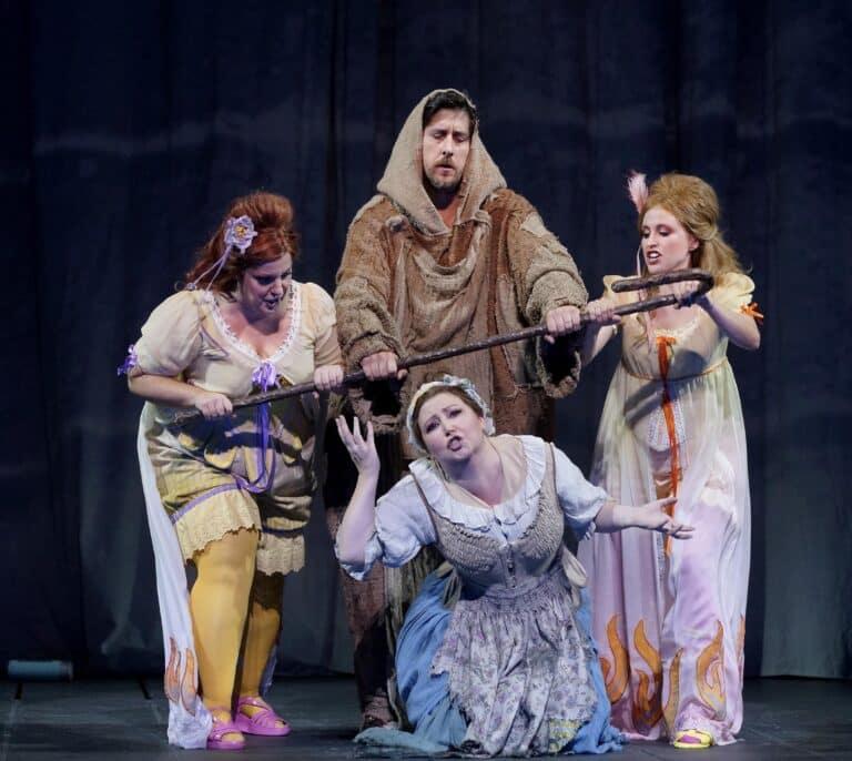 'La Cenerentola' abre la temporada y recupera el aforo completo del Teatro Real