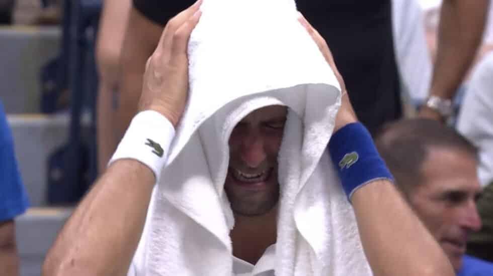 Djokovic no puede contener las lágrimas durante la final del US Open