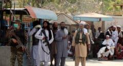 """La ONU pide a los países vecinos de Afganistán que no cierren sus fronteras para evitar """"una catástrofe"""""""
