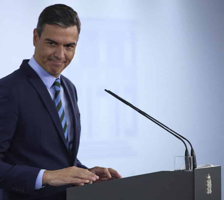 El hachazo de Sánchez a las eléctricas hizo cambiar la recomendación del consejo de Naturgy a sus accionistas
