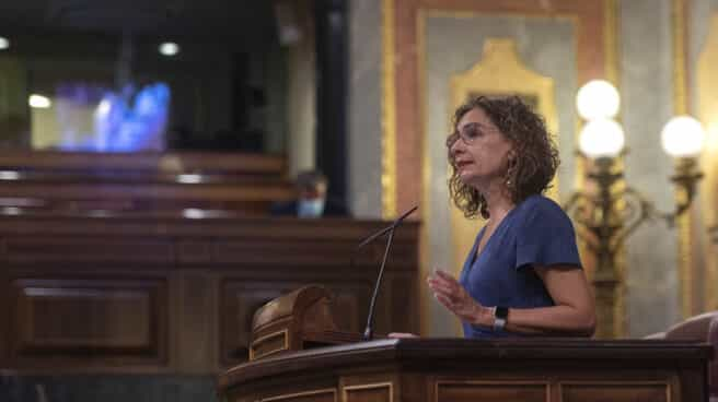 La ministra de Hacienda y Función Pública, María Jesús Montero, durante una sesión plenaria en el Congreso de los Diputados, a 13 de septiembre de 2021, en Madrid (España).