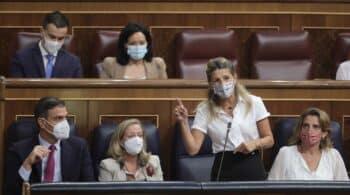 """Moncloa enciende las luces de alarma y """"estudia el fenómeno"""" Yolanda Díaz"""