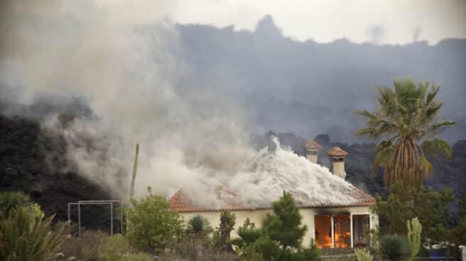 Una casa destruida por la lava en La Palma.