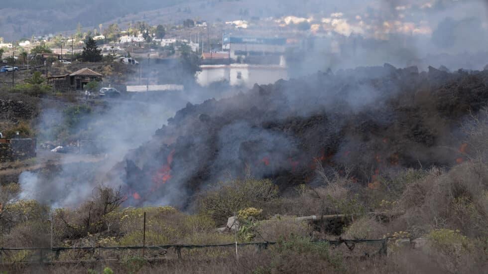 Lava y piroclastos expulsados por el volcán ubicado en la zona de Cabeza de Vaca, a 22 de septiembre de 2021, en La Palma,