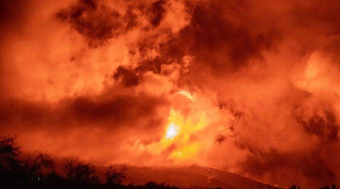 El volcán de Cumbre Vieja sigue en fase explosiva y las cenizas ya llegan a La Gomera