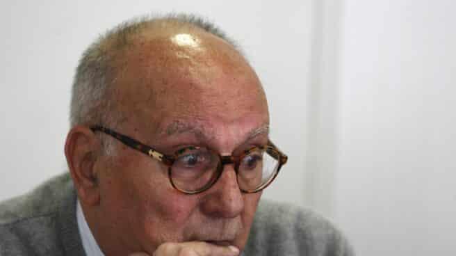 Mario Camus.