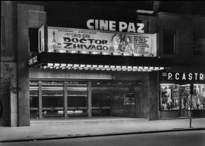 Imagen de la puerta principal en el estreno de 'Dr. Zhivago' en el 1966