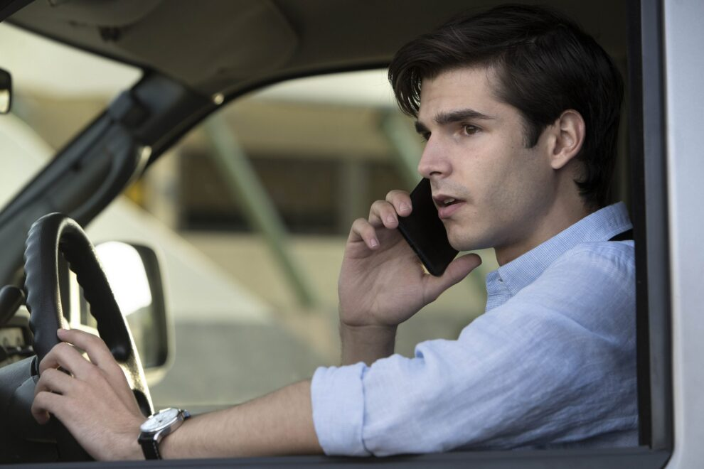 Álvaro Mel interpreta al joven diplomático.