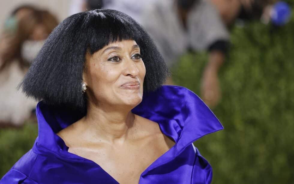 La actriz Tracee Ellis Ross vistió un modelo de Balenciaga con el que quiso rendir homenaje a su madre Diana Ross