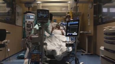 Uno de cada 500 españoles mayores de 12 años ha muerto por coronavirus