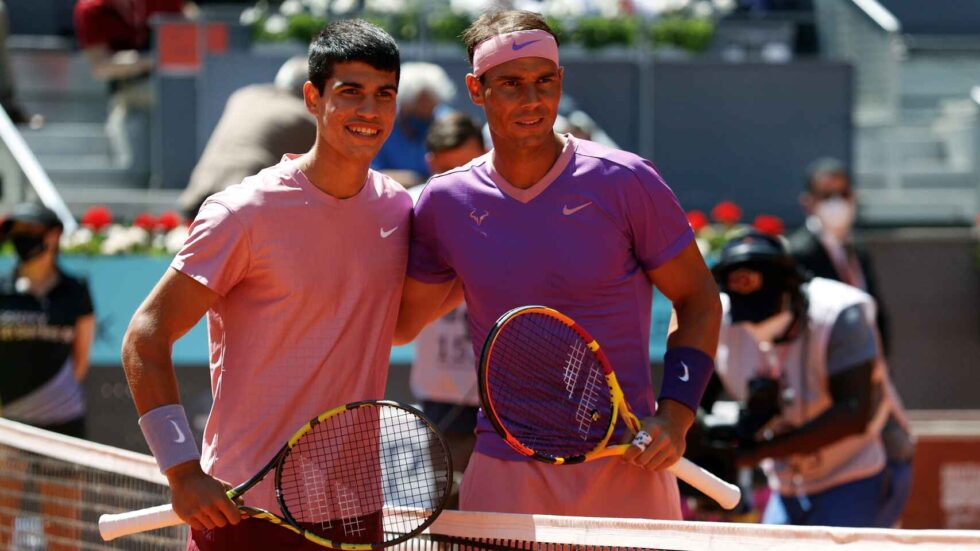Alcaraz y Nadal, antes del duelo que jugaron en el Mutua Madrid Open 2021