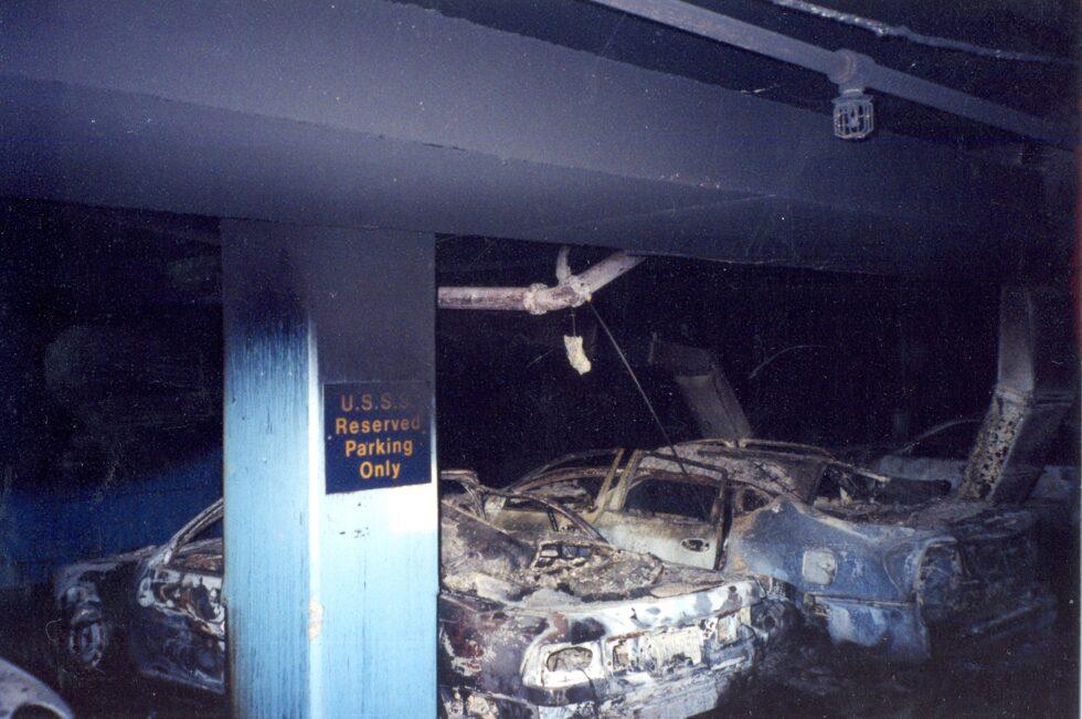 Otra imagen de los vehículos del Servicio Secreto de Estados Unidos tras los ataques