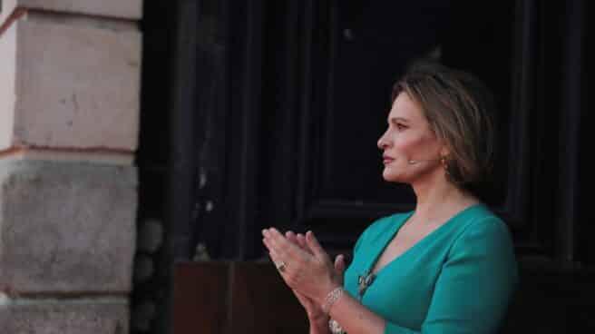 La soprano Ainhoa Arteta en la madrileña Puerta del Sol, en el homenajea del 2 de Mayo a los héroes que han luchado contra el coronavirus