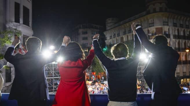 (I-D) El líder del PP, Pablo Casado; la presidenta de la Comunidad de Madrid, Isabel Díaz Ayuso; el alcalde de Madrid, José Luis Martínez-Almeida; y el secretario general del PP, Teodoro García Egea.