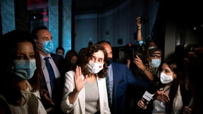 La presidenta de la Comunidad de Madrid, Isabel Díaz Ayuso, a su llegada a la presentación de la Oficina del Español