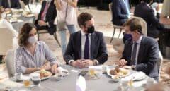 """El PP rebaja el optimismo de Ayuso con el congreso de Madrid: """"Almeida tiene posibilidades de ganar"""""""