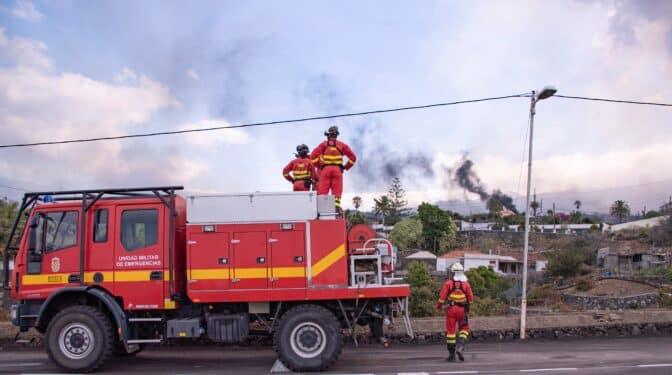 La UME rebaja la alarma: la población de La Palma no tiene que preocuparse por el aire que respira