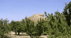 El único granero fortificado andalusí de España, en Murcia, con un pie fuera de Patrimonio