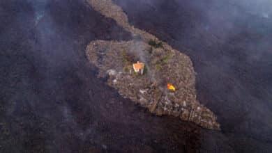La banca pone en marcha ayudas económicas y moratorias para los afectados por el volcán en La Palma